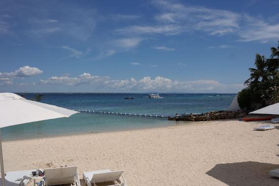 Moevenpick Hotel Mactan Island Cebu: beach area