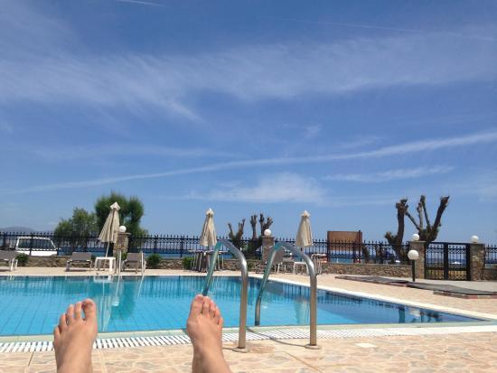 Yota Beach : De la piscine