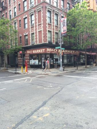 M & O Market and Deli