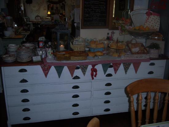 Linthorpe Tea Room: Cake Side Board