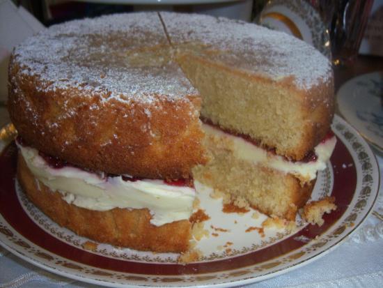 Linthorpe Tea Room: Victoria Spnge Cake