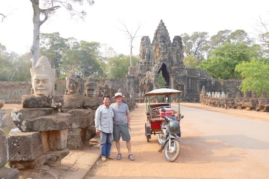 Siem Reap Driver Private Day Tours: Tom and I
