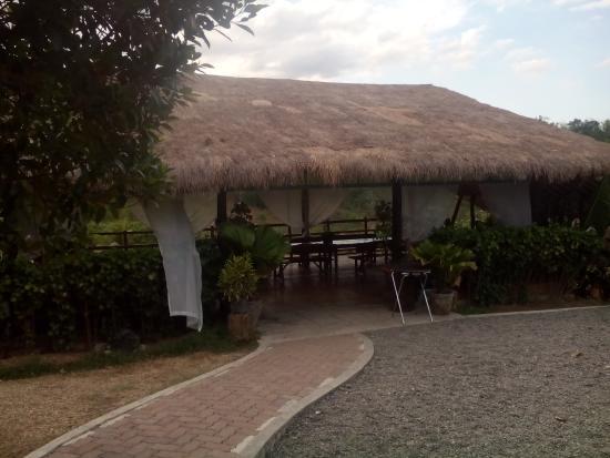 Damires Hills Tierra Verde: another open cottage