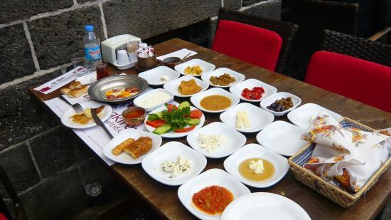 Diyarbakirevi Kahvalti Ve Cafe