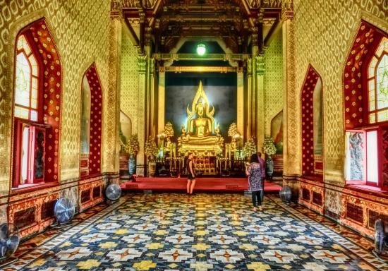 The Marble Temple - Picture of Wat Benchamabophit (The Marble Temple), Bangko...