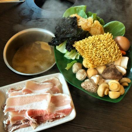 Sasa Rolling Shabu-Shabu : Pork Slice Meat Shabu-shabu.