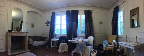 Chateau d'Omiecourt: Lovely room