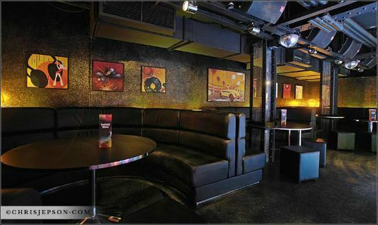 The Loop Bar: Groovy Wonderland Booths