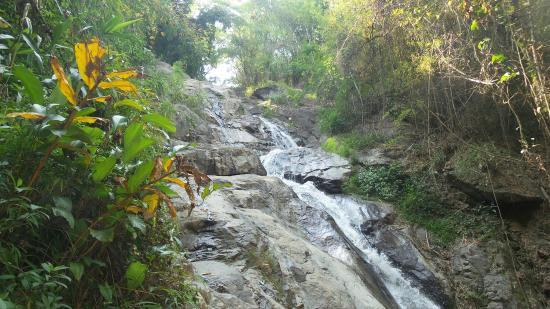 Kengtung, Burma: Pin Tauk Waterfall