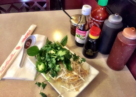 Viet Huong Vietnamese Restaurant: Viet Huong - pho fixings