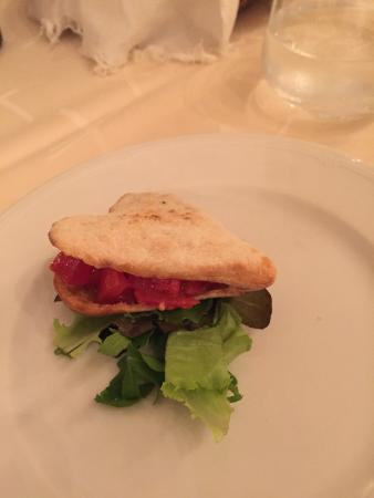 La Taverna del Leone : Miniature heart shaped pizza appetizer