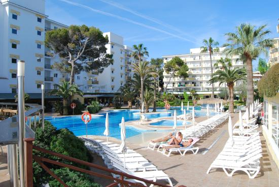 IBEROSTAR Alcudia Park: Pool area