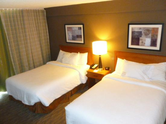Embassy Suites by Hilton Oklahoma City Will Rogers Airport : bedroom