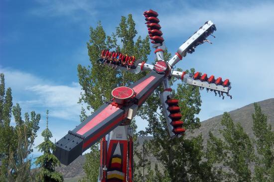 Lagoon Amusement Park: Samari ride freaks me out!