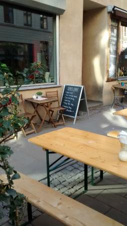 Kates Joint : Outdoor seating