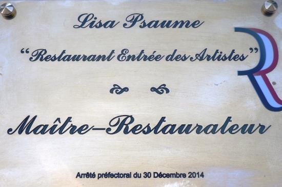 Entree des Artistes: Plaque Maître Restaurateur