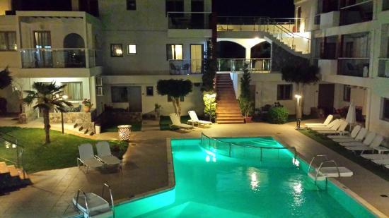Minos Village : Lekker zwembad