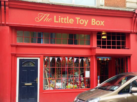 ‪The Little Toy Box‬