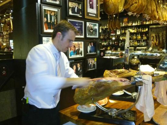 Camarero del restaurant Don Denis