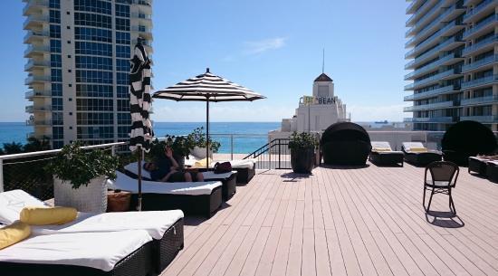 Hotel Croydon Roof Terrace