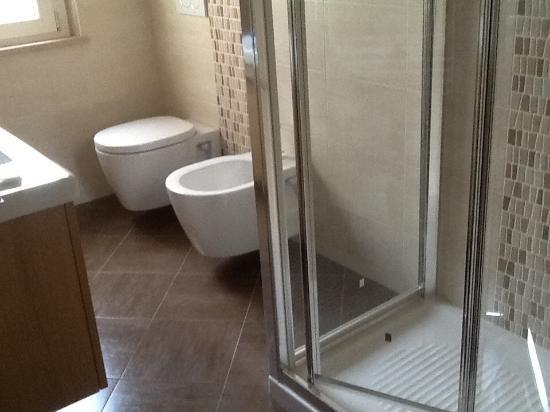 Rifacimento Bagno Manutenzione Ordinaria - Idee Per La Casa - Syafir.com