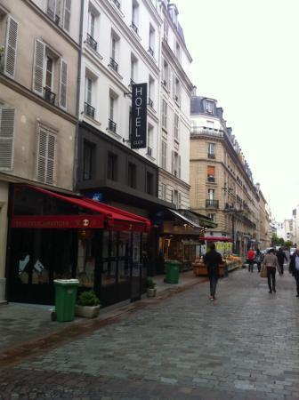 Rue cler picture of cler hotel paris tripadvisor for Cler hotel paris