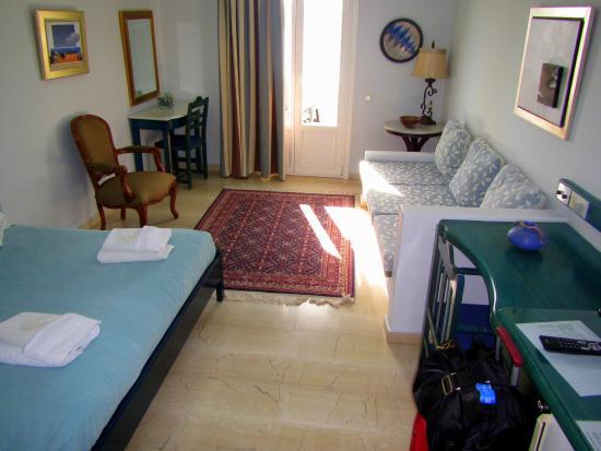 Hotel Villa Renos