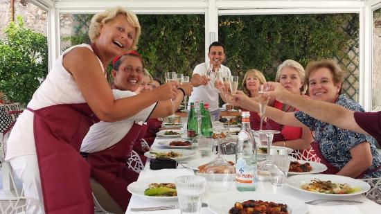 Cooking Class al Ristorante Nettuno da Siciliano: All the table and wine