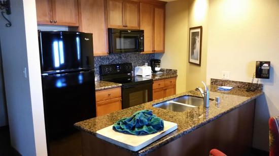 The Ridge Tahoe: Kitchen