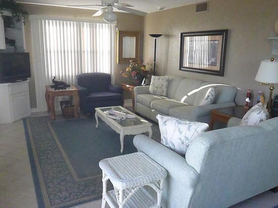 Seahorse Landing: Unit 101 - living room