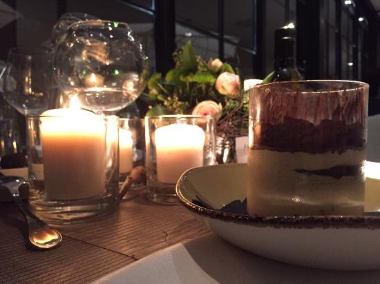 Candele Da Esterno Roma : Un tavolo con calici e candele foto di caio funky trattoria