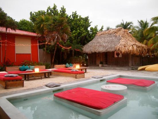 Azul Resort: Rojo Bar