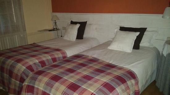 Hostal Pedraforca: Habitacio doble dos llits