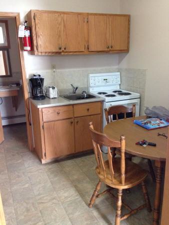 Lakehead Motel : Nice kitchenette!