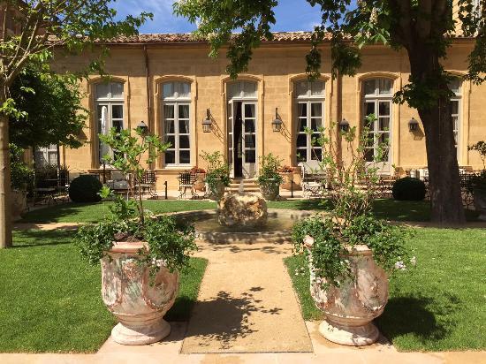 upper garden - photo de hôtel de caumont - centre d'art, aix-en