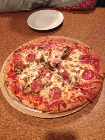 The Crow's Nest: 5 Topping $20 pizza really??