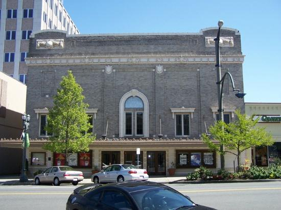 ‪The Historic Everett Theatre‬