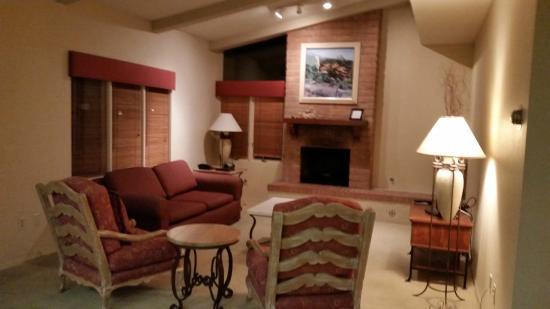 Hacienda suite kitchen picture of omni tucson national - 2 bedroom suite hotels in tucson az ...