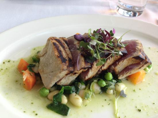 The Water Club: Tuna done rare and right