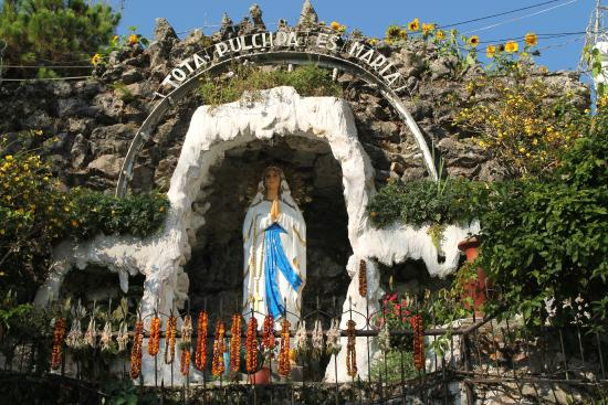 ‪Our Lady of Lourdes Grotto‬
