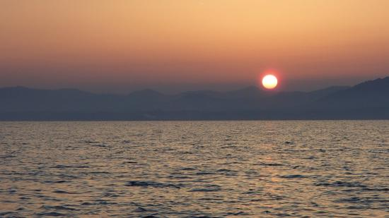 Pleasure Boat at Lake Shinji- The Hakucho: 宍道湖の夕日