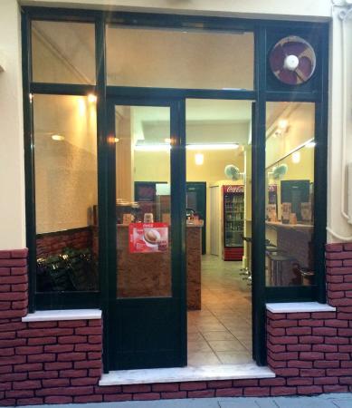 Αίγινα (Χώρα), Ελλάδα: Pitsi's coffee & food!!!