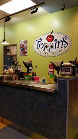 Toppins Frozen Yogurt
