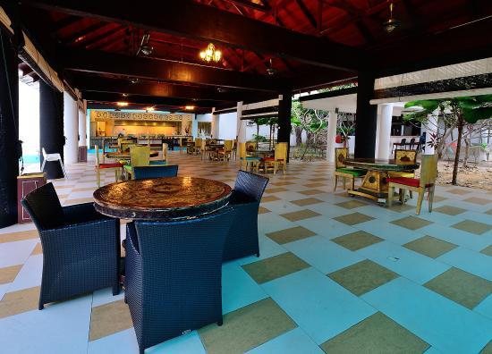 Sari Pacifica Hotel, Resort & Spa Sibu Island: Dining area