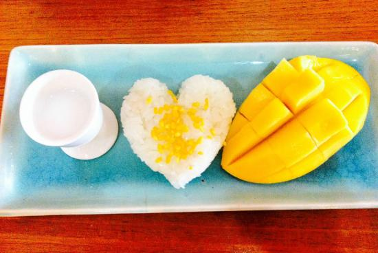 Connect Cafe: Mango with Sticky Rice