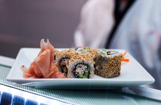 EAST - Teppanyaki & Sushi Lounge