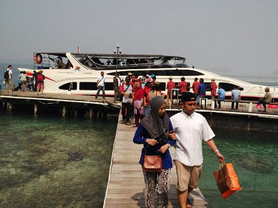 Putri Island Resort Hotel: New boat 200 people capacity