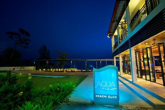 Aqua Beach Lounge