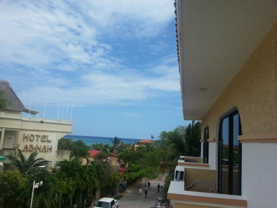 Hotel Vista Caribe: View from 3rd floor room