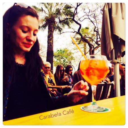 Carabela Cafe: Matching lipstick